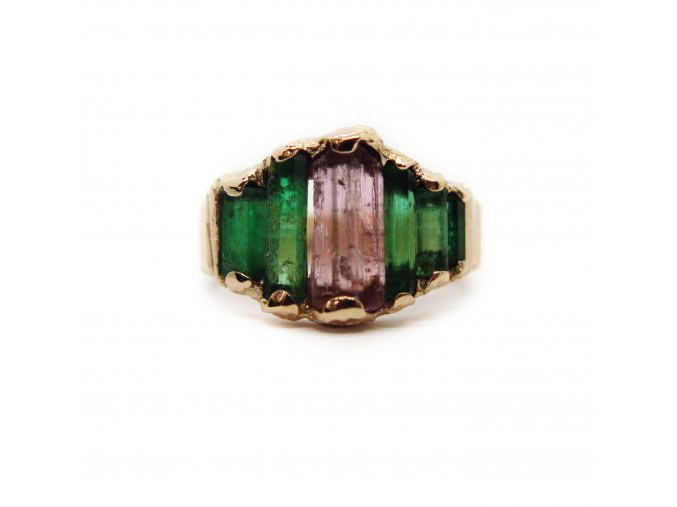 trumalín a smaragdy  ruličky krystaly