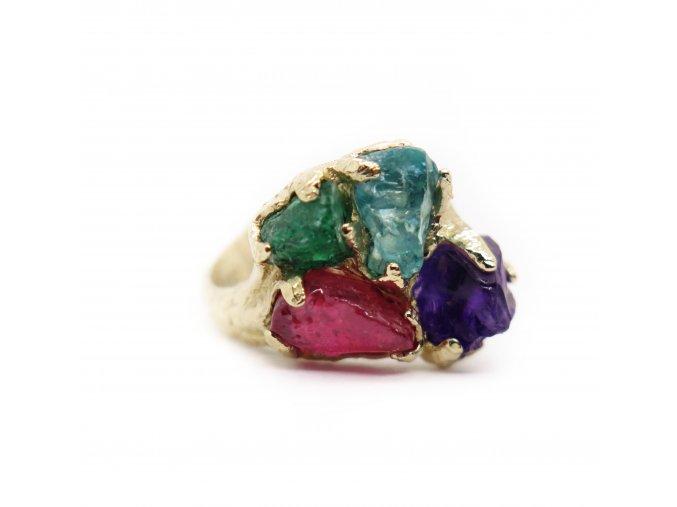 Apatit, rubín, smaragd, ametyst velké kameny.