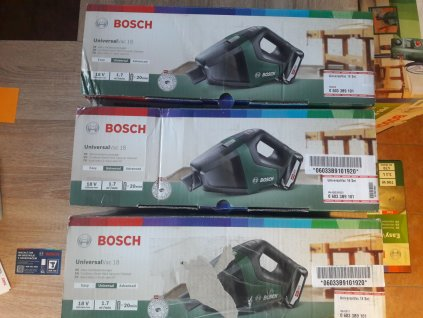 Akumulátorový ruční vysavač Bosch UniversalVac 18 - poškozený obal