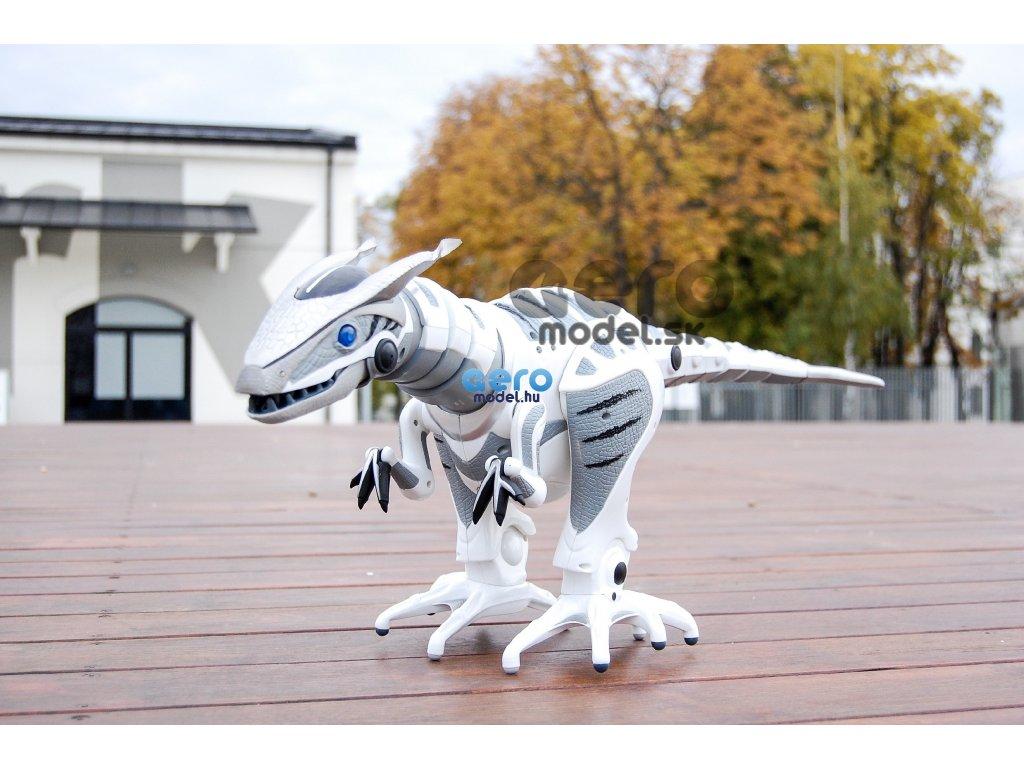 RC Robosaurus