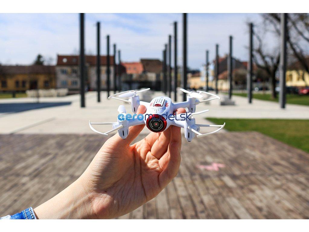 dron x22w
