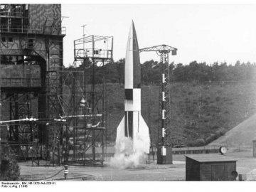 Revell německá raketa A4/V2 (1:72) RVL03309