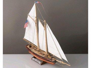 Corel COREL America Yacht 1:155 kit KR-21992
