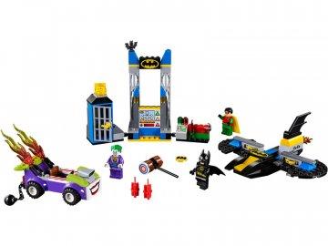 LEGO Juniors - Joker útočí na Batcave LEGO10753