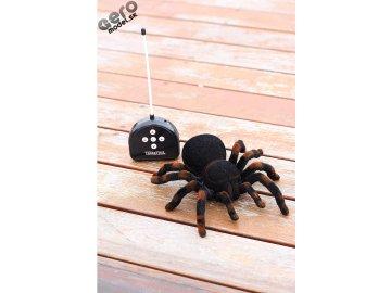 Tarantula RC pavúk na diaľkové ovládanie  + Darče alkalické batérie