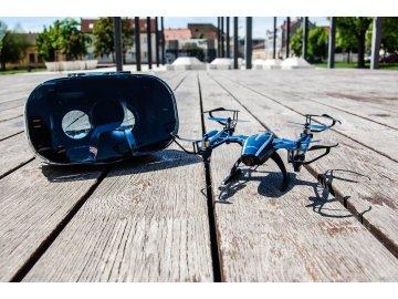 dron v okuliarmi