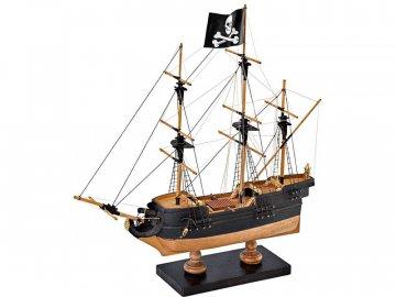 Amati AMATI Pirátská loď 1:135 First step kit KR-25085