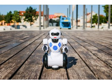 TANCUJÚCI ROBOT (2 of 9)