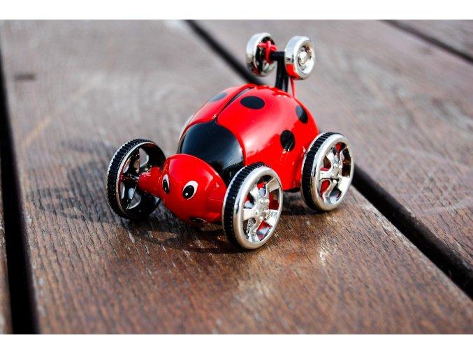 Stunt vehicle- akrobatická rc beruška, červená