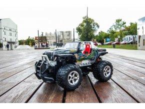 4605 1 jeep hurricane s nabijacou bateriou