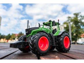 Double Eagle: Traktor v měřítku 1:16 2,4 GHz RTR.