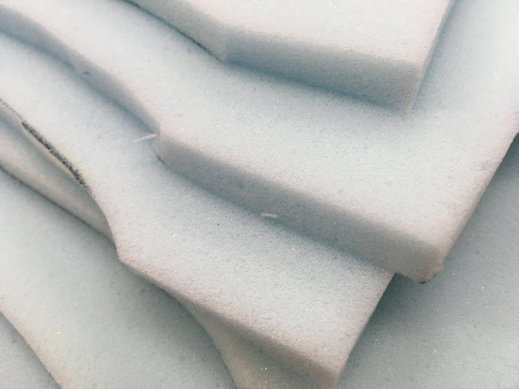 Zbytky molitanových PUR odřezků tl.1cm
