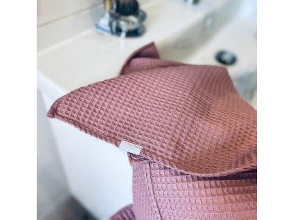 Bavlněný ručník/osuška s vaflovým vzorem - starorůžová