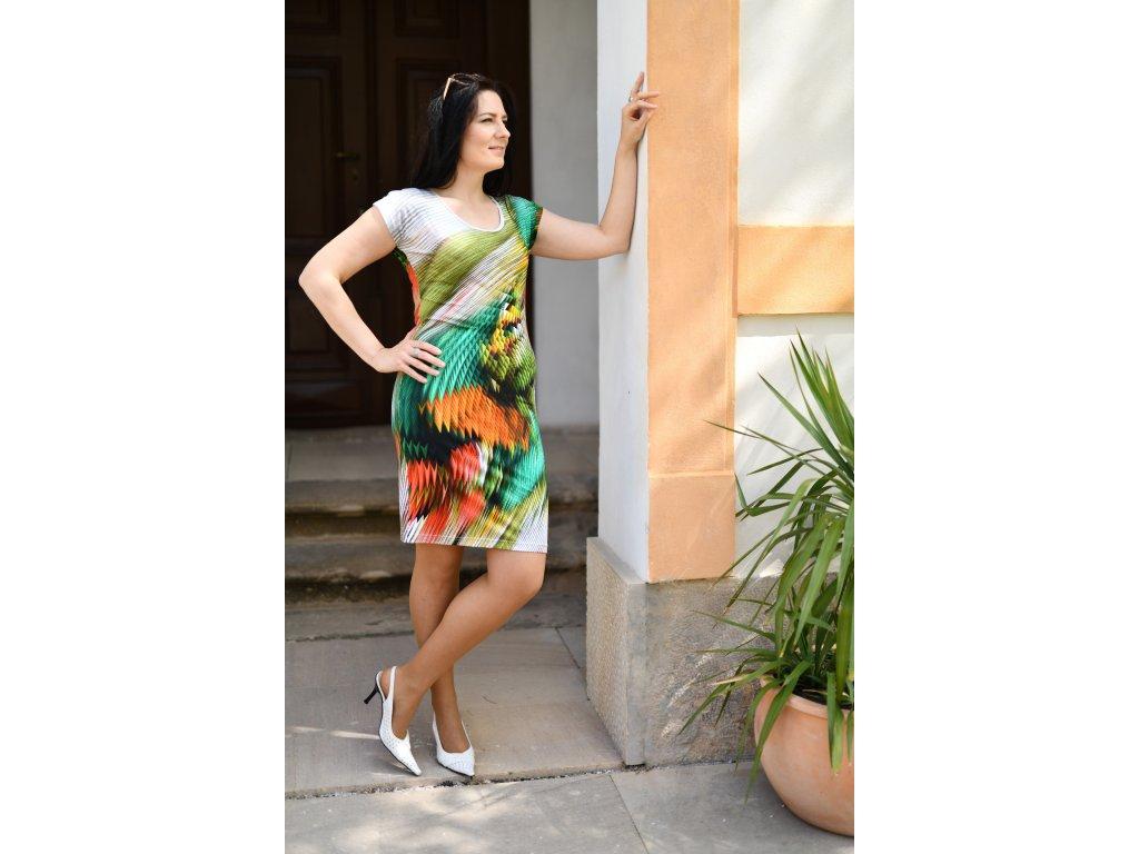 Šaty PAVLA - vzorované přiléhavé šaty - zelené