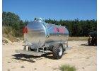 Napáječky a cisterny pro převoz pitné vody