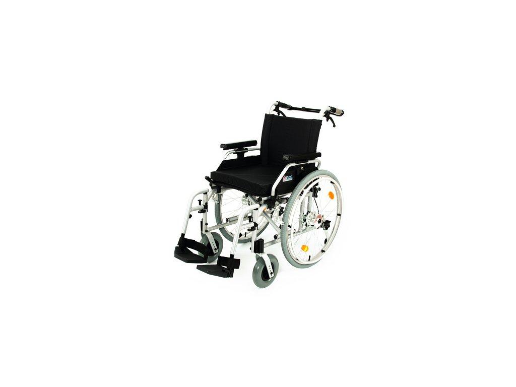 Invalidní vozík s brzdami 108-23