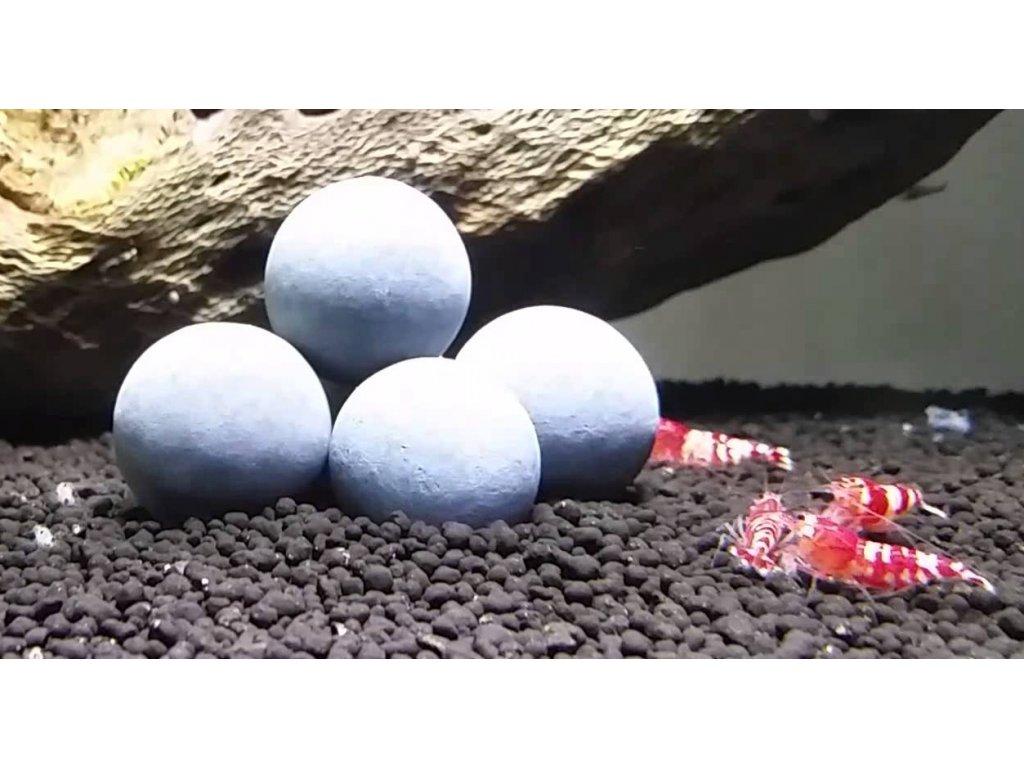 Turmalínové minerální kuličky pro krevety