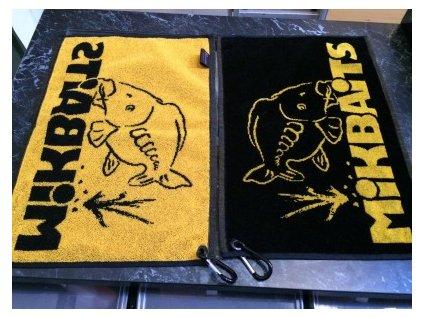 Mikbaits ručník černo žlutý s karabinou