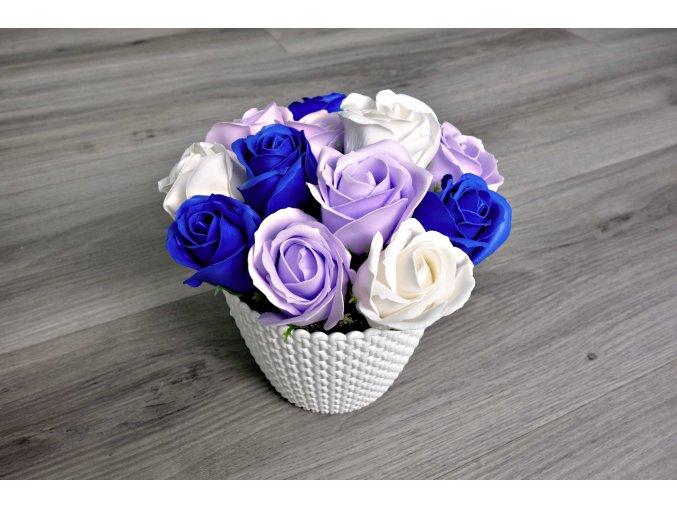 Aranžmá z mýdlových růží - bílá + modrá + světle fialová
