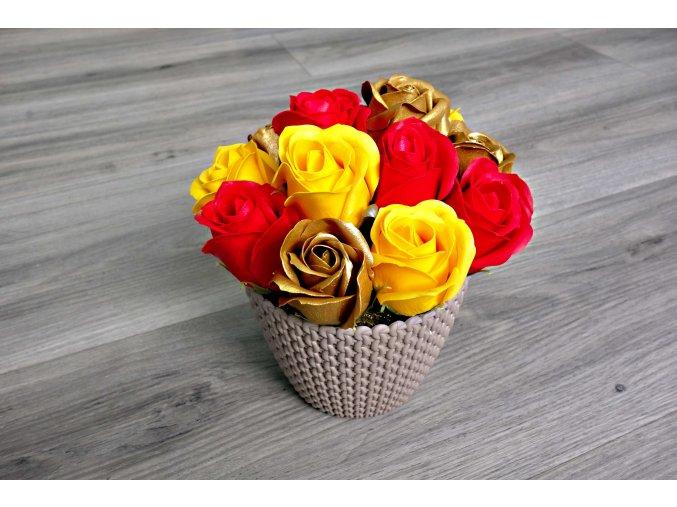 Aranžmá z mýdlových růží - červená + žlutá + zlatá