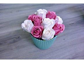 Aranžmá z mýdlových růží - bílá + tmavě růžová