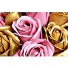 Aranžmá z mýdlových růží - zlatá + tmavě růžová