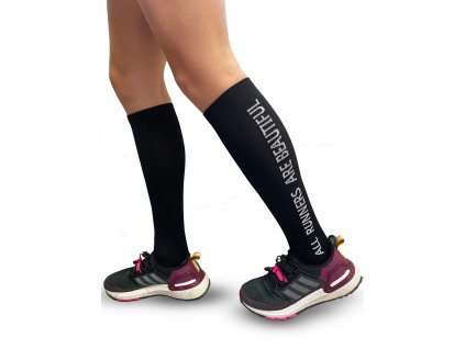 ALL RUNNERS ARE BEAUTIFUL compression socks BLCK