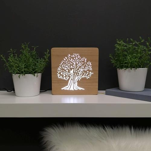 Designová dřevěná LED lampička