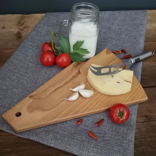 Sýrové prkénko s nožem na sýr