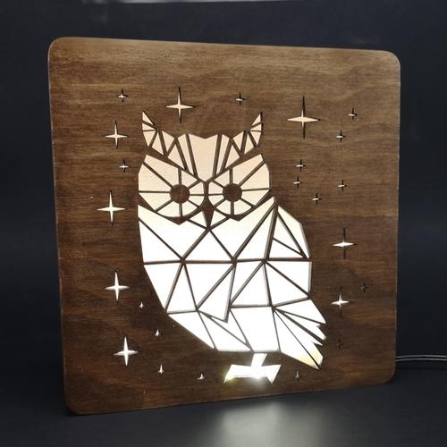 Dřevěná lampička s motivem sovy LED osvětlením s trafem na 12V