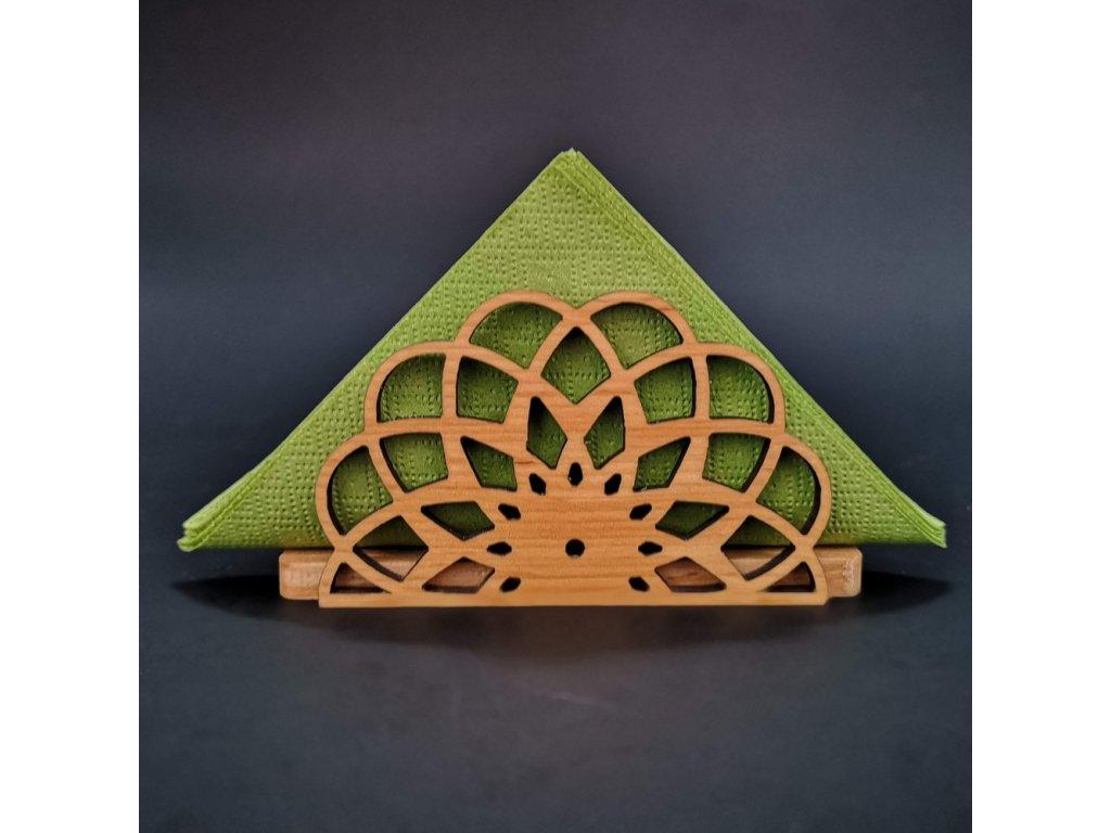 Dřevěný ubrouskovník ve tvaru mandaly, masivní dřevo, 12,3x6,5x3,5 cm