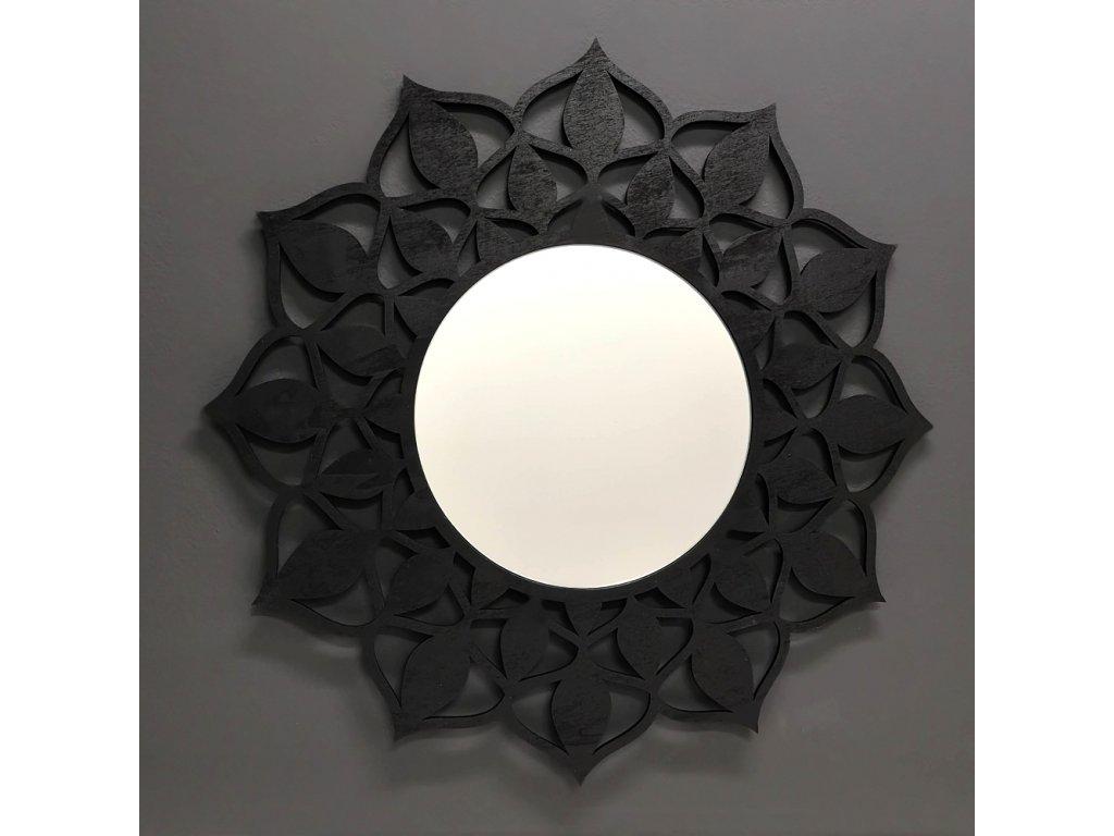 Dřevěné zrcadlo ve tvaru mandaly, černá barva, průměr 51 cm