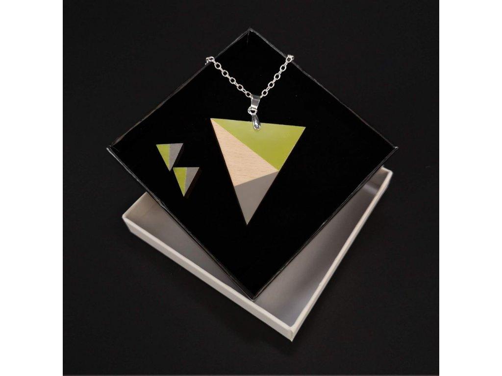 Sada dřevěný náhrdelník s náušnicemi trojúhelník zelený, 4,5x4 cm