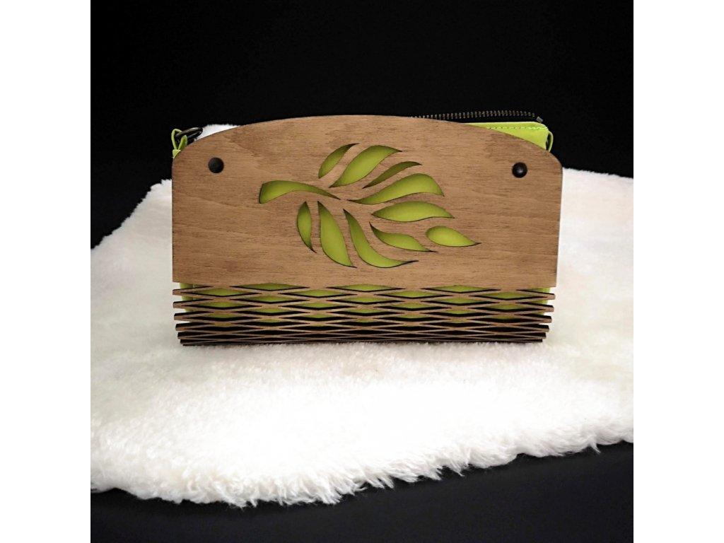 Dřevěná kabelka zelená - list 25 cm