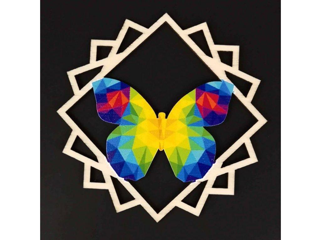 Dřevěná ozdoba motýl
