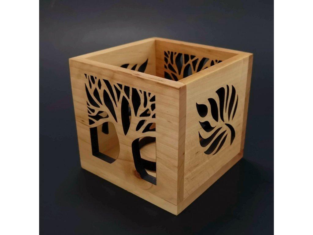 Dřevěný svícen krychle s motivem listu a stromu, masivní dřevo, 10x10x10 cm