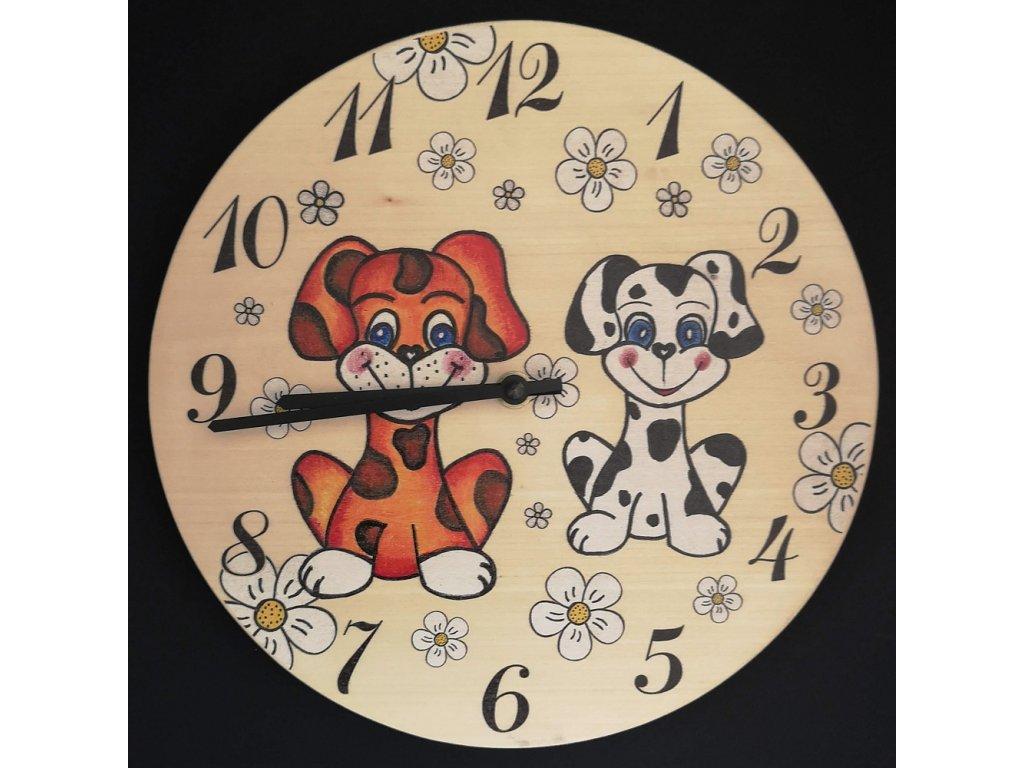 Dřevěné hodiny nastěnné do dětského pokoje
