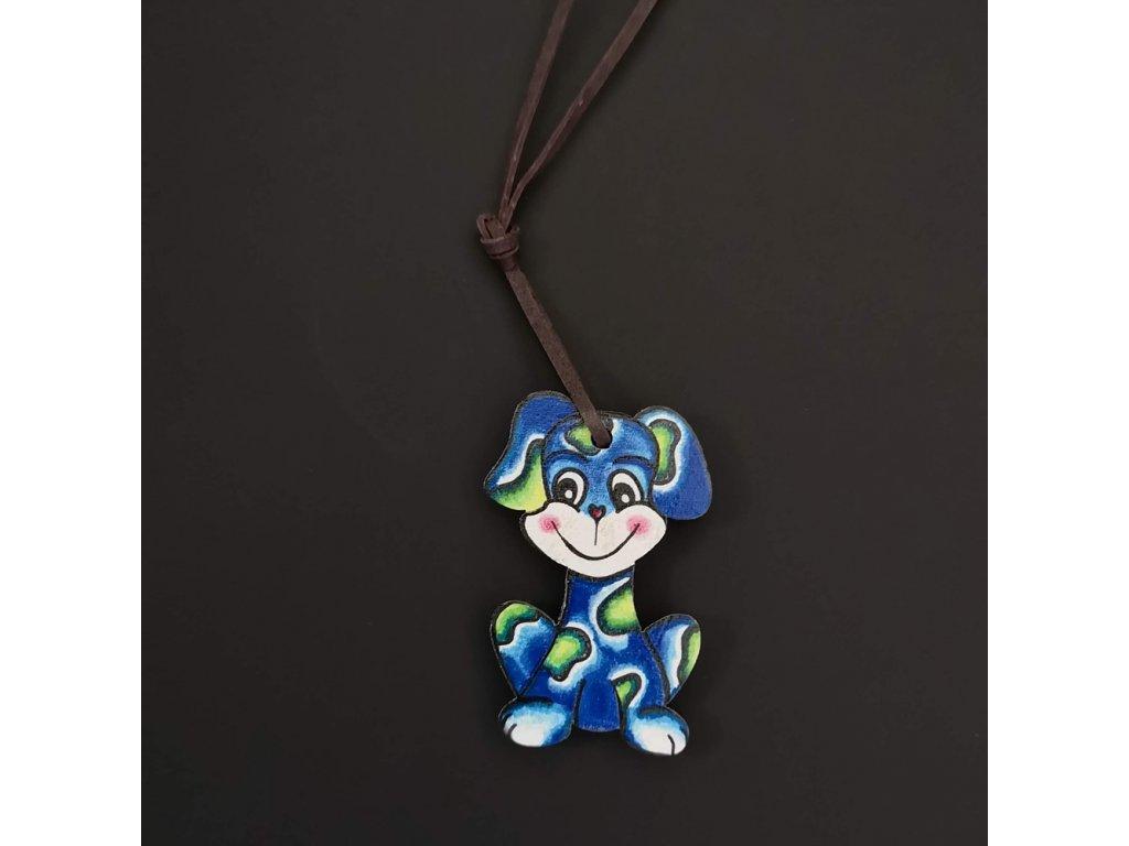 Dřevěný přívěsek na krk pes modrý, 4,5 cm