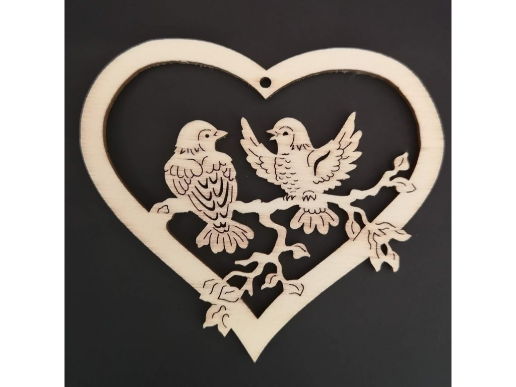 Dřevěná ozdoba srdce s ptáčky 14 cm
