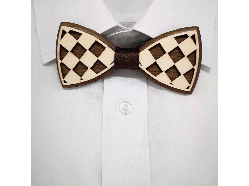 Dřevěný motýlek k obleku - šachovnice 11 cm