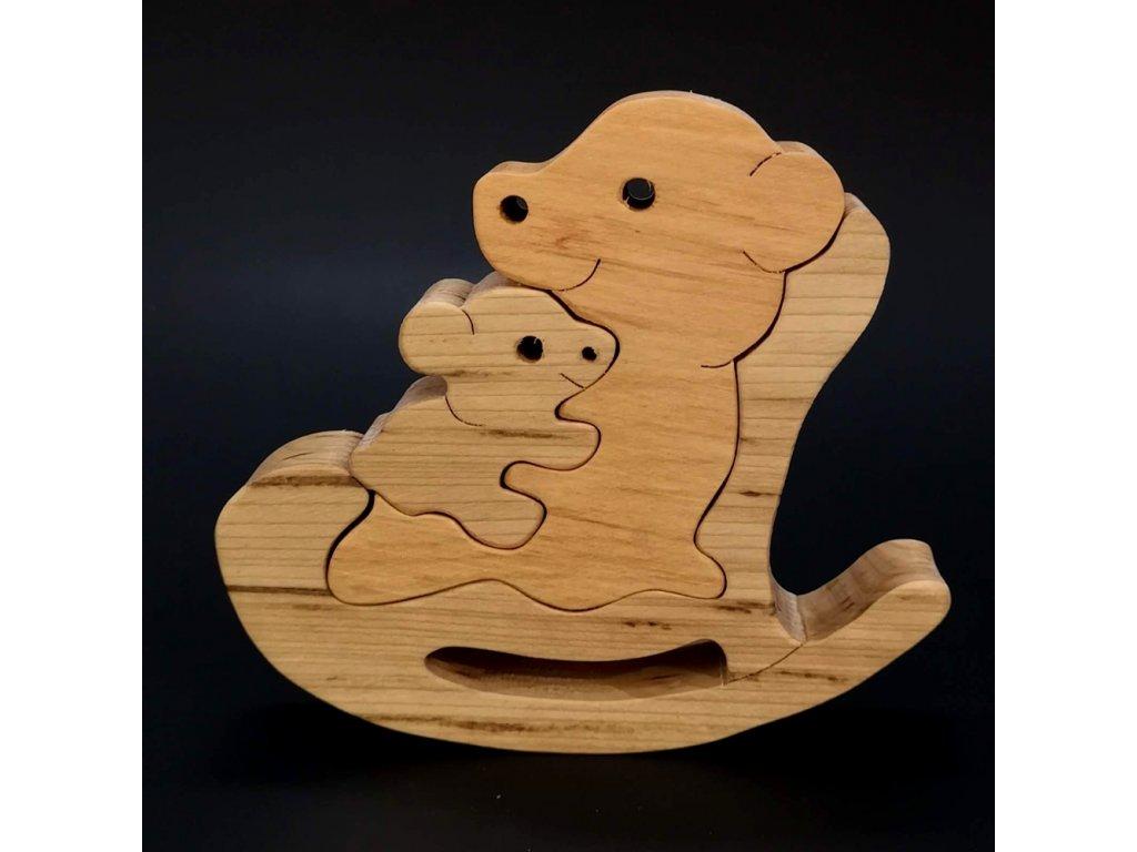Dřevěné puzzle houpací medvěd, masivní dřevo dvou druhů dřevin,13,5x12x3 cm