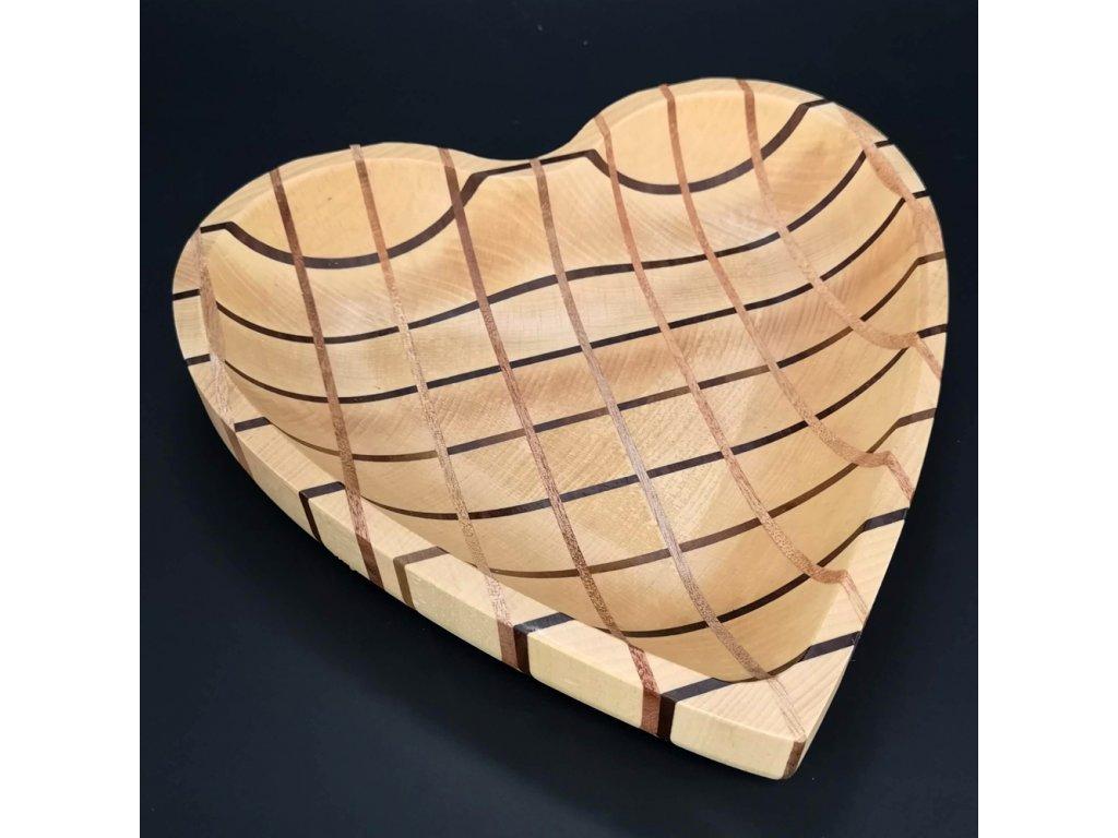 Dřevěná miska mozaika ve tvaru srdce