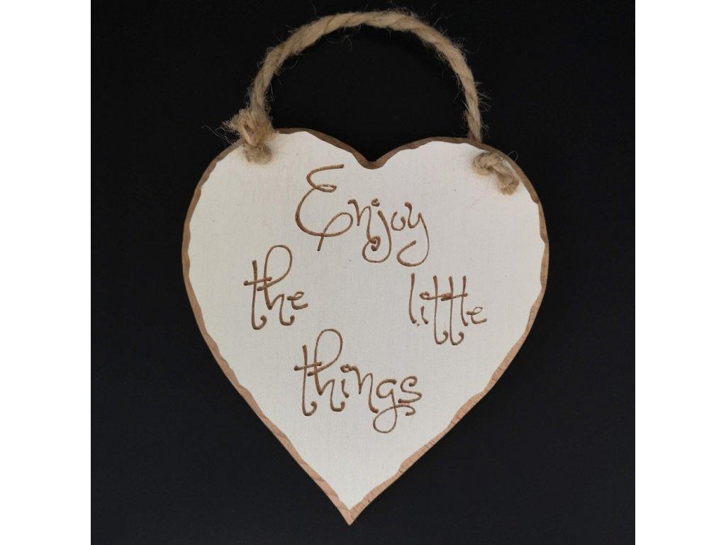 Dřevěné srdce s rytým textem Enjoy little things