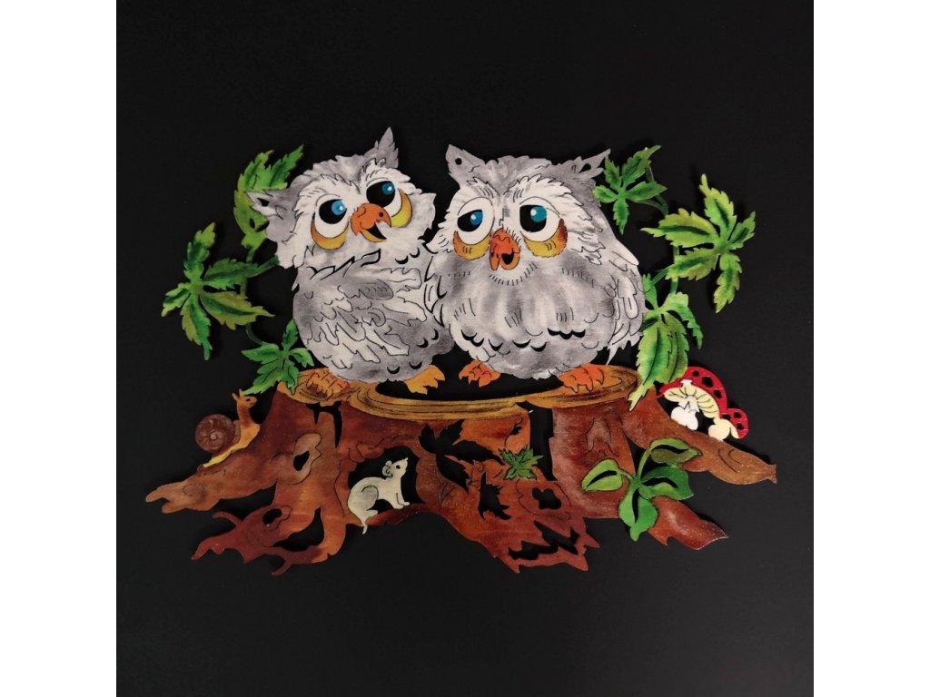 Dřevěná dekorace barevná sovy na pařezu 24 cm