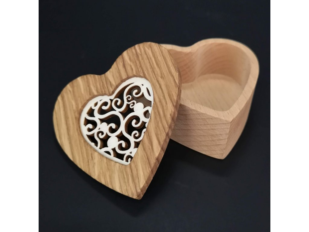 Dřevěná krabička ve tvaru srdce, masivní dřevo s vkladem z topolové překližky, 8x8x3 cm