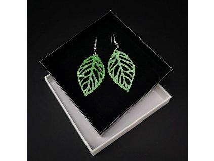 Dřevěné náušnice list zelený, 4 cm