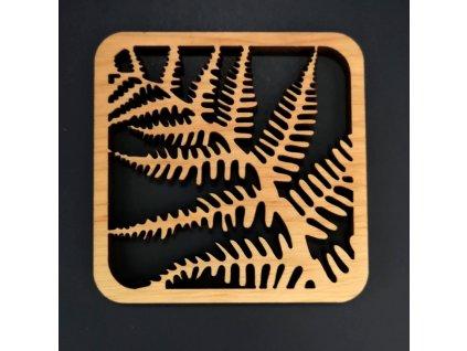 Dřevěný podtácek hranatý s motivem kapradí, masivní dřevo, 9x9 cm