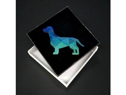 Dřevěná brož barevný pes, 6x4,5 cm