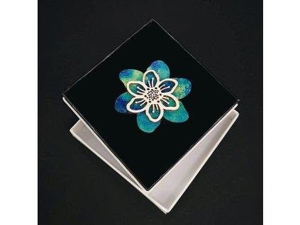 Dřevěná brož modrý květ, 5 cm