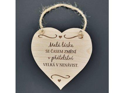 Dřevěné srdce s nápisem Malá láska se časem...., masivní dřevo, 16 x 15 cm